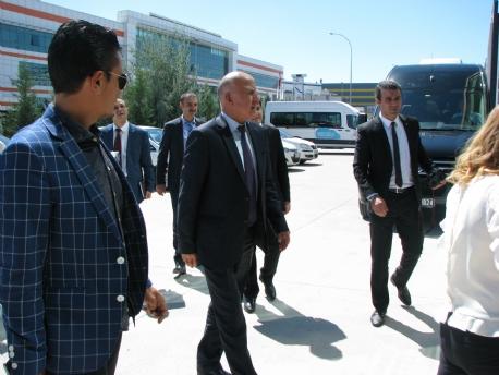 tacikistan-in-ankara-buyukelcisi-fabrikamizda-302028.JPG
